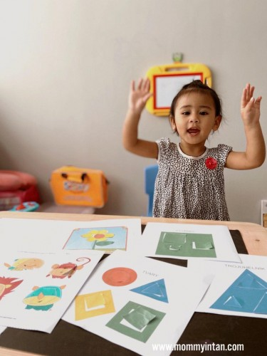 Free Printable: Cut and Paste the Matching Shapes